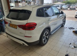 התקנת מדרכות מקוריות  ל BMW  X3 חדשה
