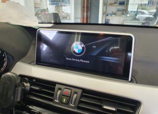 התקנת מולטימדיה ומדרכות ל BMW X1